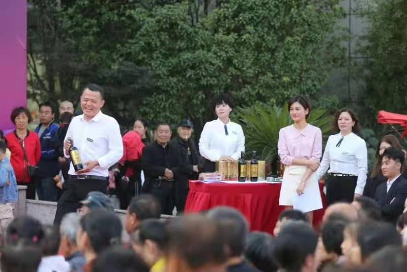阿福讲白搭十三周年观众优惠日活动裕贡广受好评